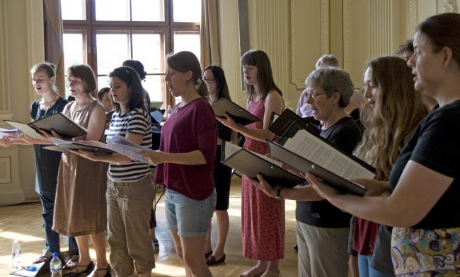 Choir singing in Hungary - sopranos