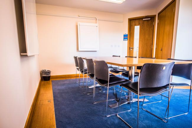 Small syndicate Room located in Chancellor's Centre perfect for meetings up to 8 people